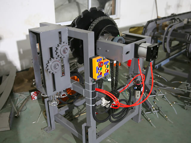 Power take-off frame for PVC/nitrile glove production line